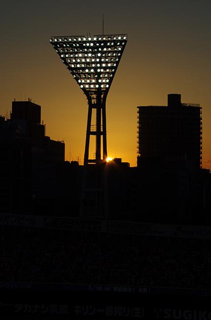 1507横浜スタジアム夕陽-3