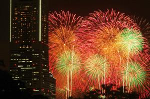 第30回神奈川新聞花火大会 横浜・野毛山公園より