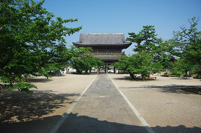 光明寺 山門1508