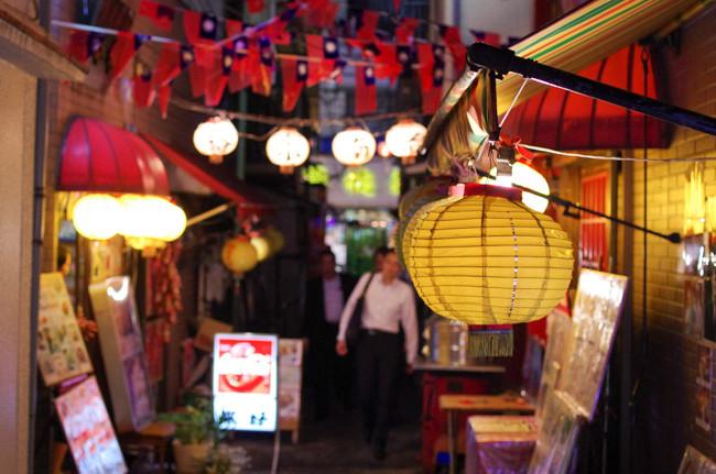 横浜中華街 夜の台湾小路