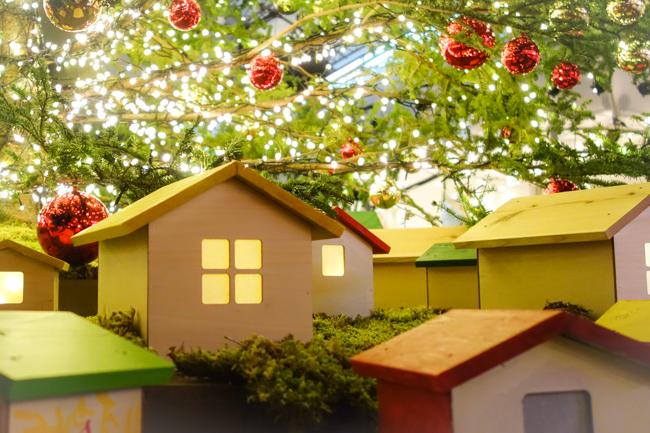 クリスマスツリーと家1105-3